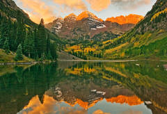 Maroon Bells, Aspen, Colorado, alpine lake, autumn, sunrise, photography, fine art prints, Mike Barton