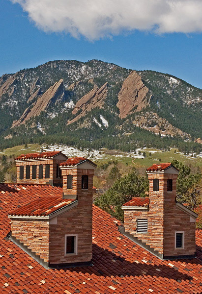 sunrise photo, CU Boulder, Boulder Flatirons, red Spanish tiled rooftops, mascot, flatirons, university of Colorado boul, photo