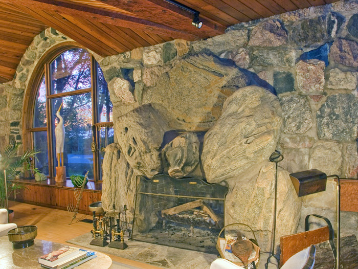 Earl Young's meticulous attention to detail may not be more evident than when it came tofireplaces and windows.
