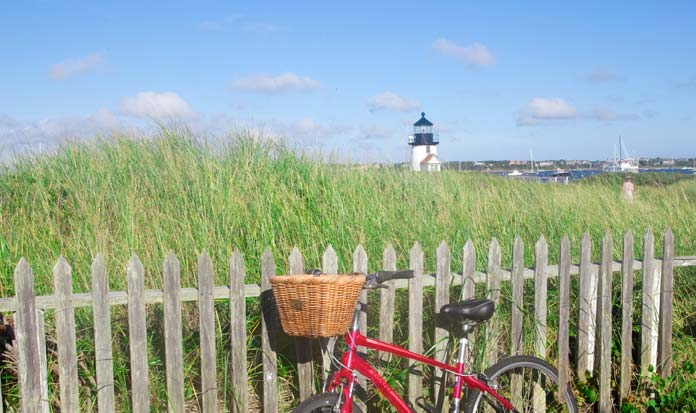 Nantucket Harbor, Brant Point Lighthouse, photo
